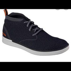Men's 10 Boyar-Taction sporty lace up shoes.